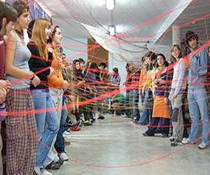 Divertida dinamica para grupos de todas las edades la reja electrica