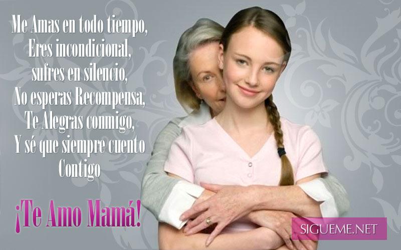 madre abrazando a su hija adolescente