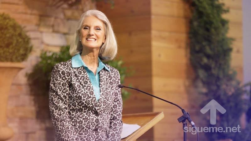 Anne Graham Lotz predicando