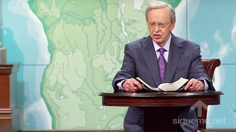 El Dr. Charles Stanley predica Filipenses 4:13 Todo lo puedo en Cristo
