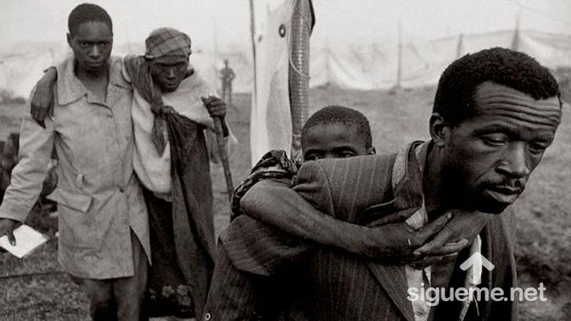 Personas tristes, el dolor de la guerra y la necesidad