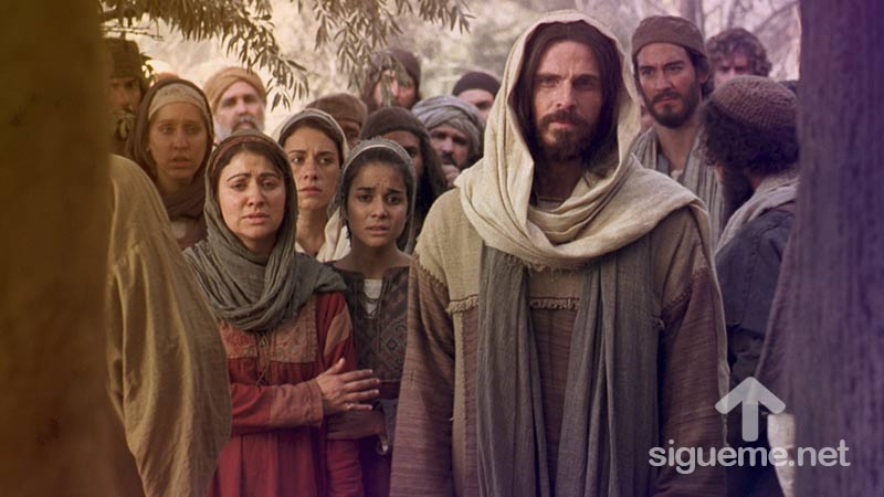 Jesus llora ante la tumba de Lazaro segun el relato biblico en Juan 11:35