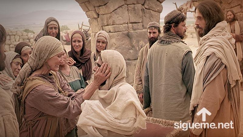 Historia Biblica: Jesús Resucita al Hijo de la Viuda de Naín