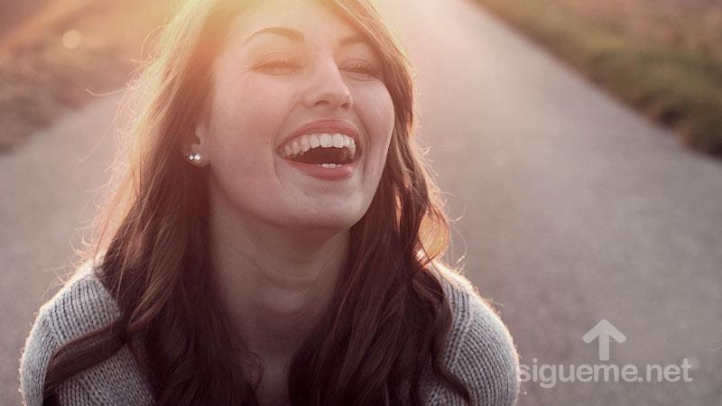 Mujer cristiana positiva