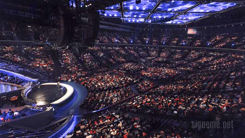 Lakewood Church, iglesia del pastor John Osteen
