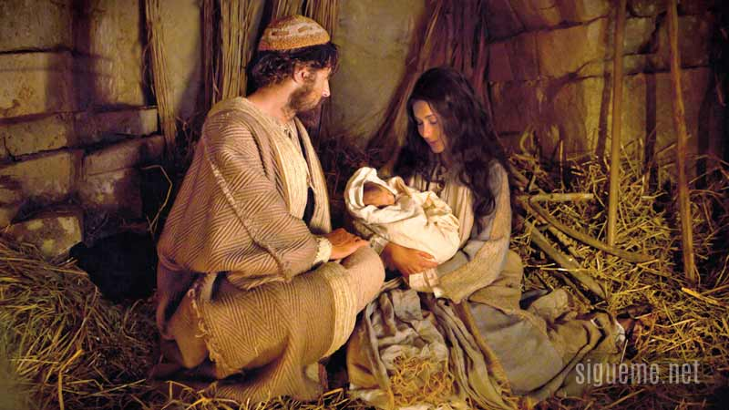 la Virgen Maria, Jose y el niño Jesus en el Pesebre en Navidad