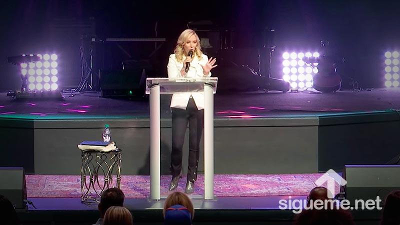Dios no consulta su pasado para determinar su futuro - Paula White