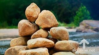 Recordatorio de las 12 piedras que Israel puso a su paso por el rio Jordan