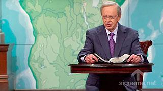 El Dr. Charles Stanley predica en su sermon los dones del Espiritu santo