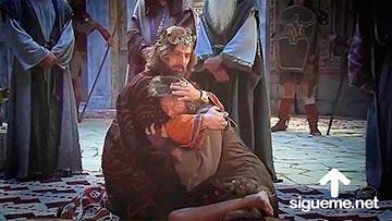 El rey David recibe en el palacio a Mefiboset, hijo de Jonatan