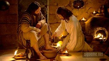 Jesus lava los pies de sus discipulos