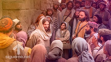 Jesus predicando a un grupo de personas