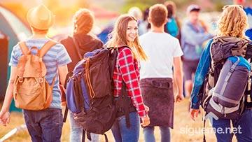 Jovenes cristianos aventureros en busca de su propio destino