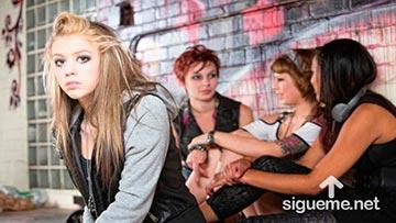 Jovenes cristianos en medio de malas influencias