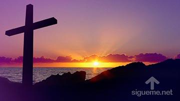 La cruz de Jesus junto al mar