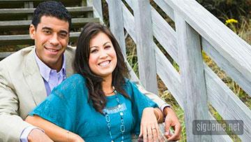 Pastor cristiano junto a su esposa
