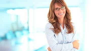 Mujer cristiana viviendo la vida en plenitud