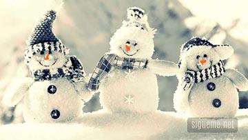 Muñeco de nieve con bufanda
