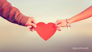 Novios cristianos celebrando dia de san Valentin o dia de los enamorados