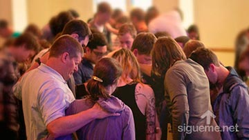 Oracion a Jesus personal y grupal en la iglesia