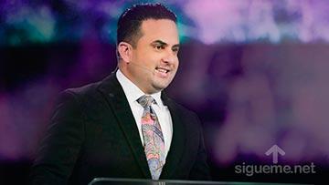 El Pastor Otoniel Font predica sobre la adversidad y la fe