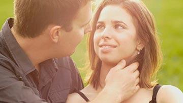 Pareja de Novios cristianos frente a la tentacion sexual
