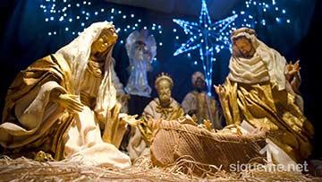 Pesebre de Navidad con Jesus, Maria y Jose