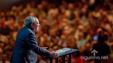 RC Sproul enseña sobre la supremacia de Cristo