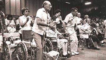 Reuniones de sanidad divina, paraliticos son sanos por el poder de Dios