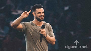 Steven Furtick, pastor de Elevation Church predica sobre la fe audaz