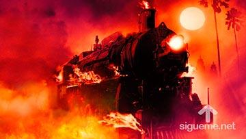 Tren en llamas